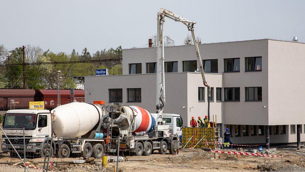 V Havířově pokračuje přestavba přednádražního prostoru.