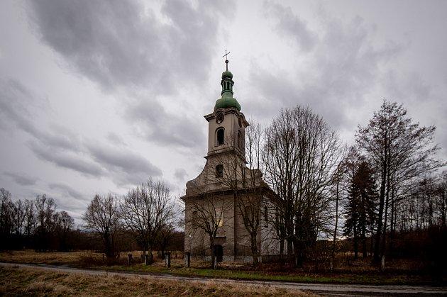 Kostel svaté Barbory vLoukách na Karvinsku, únor 2020.