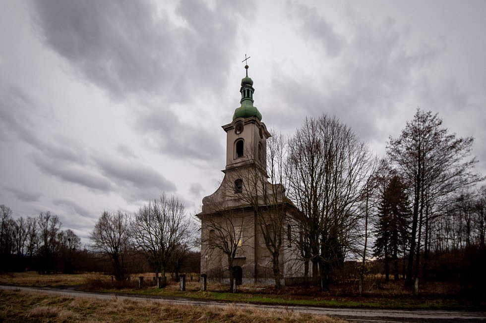 Kostel svaté Barbory v Loukách na Karvinsku, únor 2020.