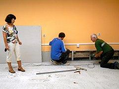 Oprava podlah v suterénních místnostech.
