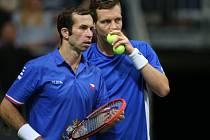 Radek Štěpánek (vlevo) končí kariéru. V Davis Cupu toho po boku Tomáše Berdycha odehrál dost a dost.