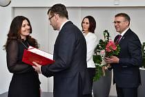 Město Karviná ocenilo při příležitosti Dne učitelů 29 pedagogických pracovníků.