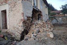Zásah hasičů u poškozeného rodinného domu v Těrlicku-Hradišti.