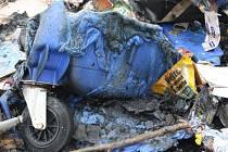 Shořelý plastový kontejner na odpad. Ilustrační snímek.
