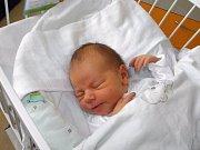 Filipek Valošek se narodil 21. listopadu mamince Sandře Dindové z Orlové. Po porodu miminko vážilo 3550 g a měřilo 52 cm.