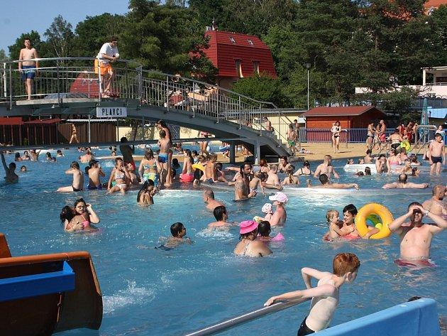 Letní koupaliště v Havířově.