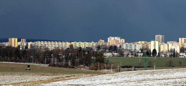 Horní Bludovice. Rozlehlá obec nedaleko Havířova je vhodným místem pro bydlení. Pohled na havířovské sídliště.