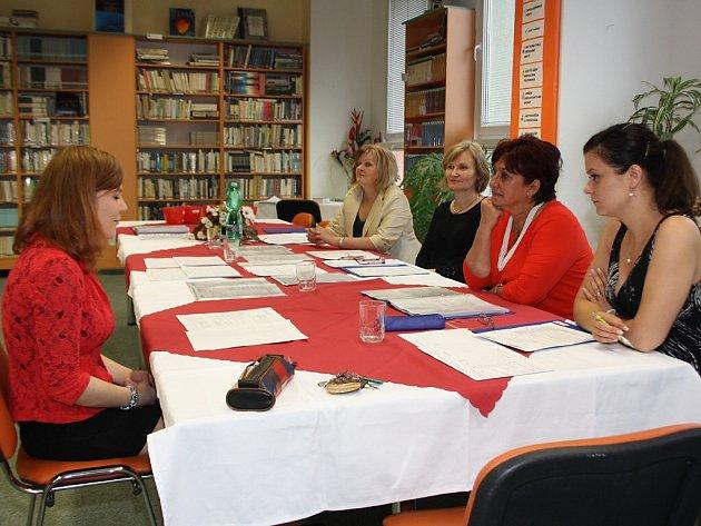 Maturitní zkoušky na Střední škole v Prostřední Suché.