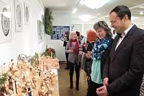 Slavnostní zahájení 15. ročníku výstavy betlémů v galerii havířovského kulturního domu Radost.