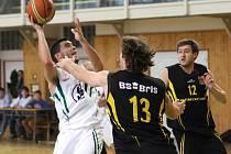 Karvinští basketbalisté odstartovali sezonu výhrami.