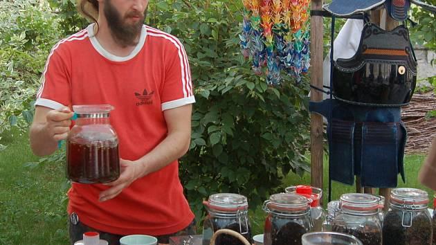 Nejen milovníci čaje se mohou těšit na druhý červnový týden. U Zámku v polském Těšíně to bude vonět čajem.