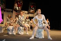 Úchvatnou taneční show předvedli členové karvinské taneční školy Nicola´s dance unico v sobotu v Městském domě kultury Karviná. Své umění předvedlo celkem 11 skupin různých věkových kategorií.