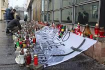 Provoz Dolu ČSM byl po tragickém výbuchu metanu opět obnoven ve čtvrtek 27. prosince. Lidé zde také v tyto dny přicházejí zapálit svíčky a vyjádřit pietu za zahynulé horníky.