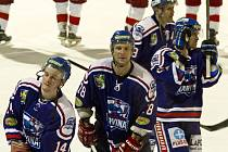 Karvinští hokejisté se radují, vyhráli i v Prostějově a do play-off si berou vítěznou náladu.