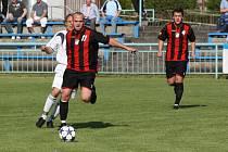 Jan Lukan (u míče) dal v Mohelnici jeden z gólů Havířova.