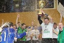 Karvinští házenkáři vyhráli a slaví pohárový triumf.