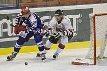 Hokejisté Karviné si ve vložených zápasech zahrají s Frýdkem-Místkem.