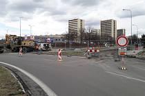 V Karviné-Hranicích začala další část rekonstrukce ulice Žižkova. Současně s tím se opravuje horkovodní potrubí vedoucí po okraji kruhového objezdu u OD Kaufland.
