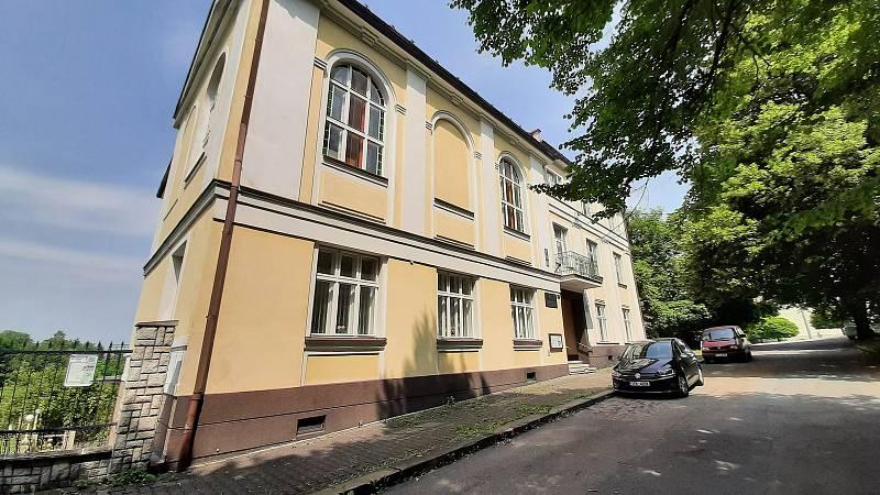 Orlová-Město. Husův dům.