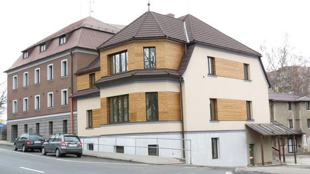 Pohled na budovu v únoru 2013.
