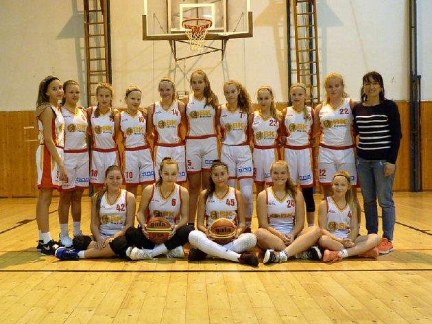 Basketbalistky do 14let si také zahrají extraligu.
