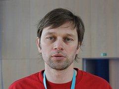 David Panáček ukazuje dětem kouzlo míčových sportů.