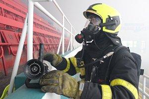 Požární cvičení na zimním stadionu v Havířově