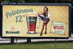 Reklamní kampaň pivovaru Bernard je k vidění také na Karvinsku.