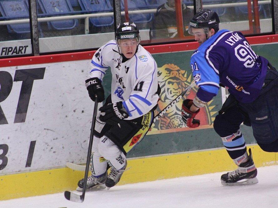 Na úvod sezony podlehli havířovští hokejisté těsně favoritovi z Jihlavy.