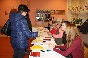 Také v Orlové byla v pátek v prezidentských volbách vysoká účast.