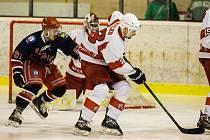 Hra karvinských hokejistů jde pomalu nahoru.