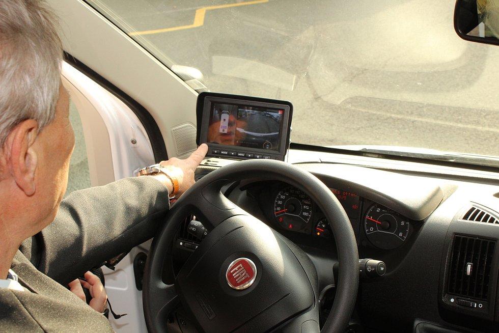 Mobilní služebna Městské policie v Havířově. Kamerový systém pro parkování a monitorování okolí služebny.