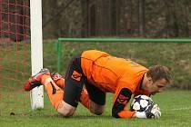 Brankář Orlové Radek Szarowski má ve zvyku a vlastně i v popisu práce gólům zabraňovat. Tentokrát ale jeden sám dal. A ze hry!