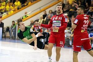 Dominik Solák (v zeleném) dostane podle trenérů více příležitostí než při jeho první reprezentační zkušenosti.