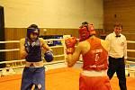 David Polák (vlevo) a další havířovští boxeři se představí 26. října na domácím turnaji v Havířově.