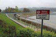 Těrlická přehrada zatím problém s vodou nemá.