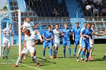 Okresní derby v divizi. Béčko Karviné (v bílém) uspělo v Havířově.