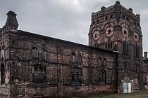 Areál dál chátrá, jeho majitel, společnost Bauhaus jej chce vymanit z ochrany památkářů.