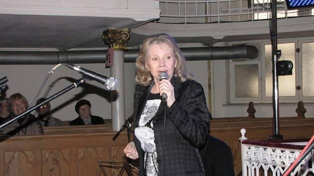 Koncert v evangelickém kostele na záchranu varhan. Eva Pilarová.