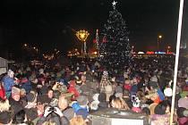 Vánoční městečko v Havířově. Slavnostní rozsvícení stromu.