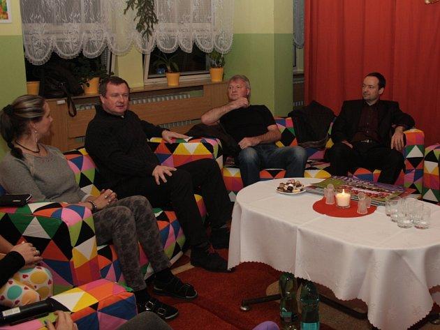 Děti z havířovského domova navštívil trenér fotbalové reprezentace Pavel Vrba.