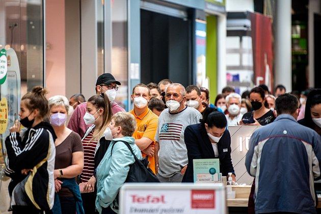 Slavnostní otevření nové prodejny Xiaomi vnákupním centru Korso vKarviné, 6.června 2021.