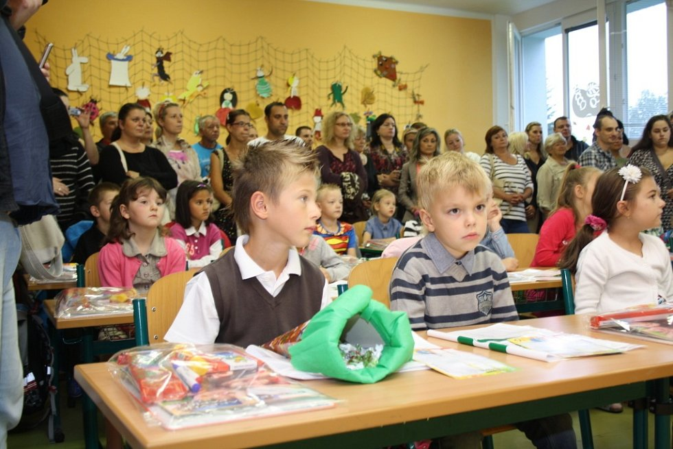 Zahájení školního roku v karvinské ZŠ Majakovského.