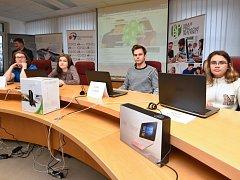 Vítězové krajského kola soutěž o internetové bezpečnosti.