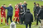 Fotbalisté Karviné (v bílém) ztratili slibně rozehraný zápas s Olomoucí.
