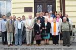 Setkání v roce 2015 před Národním domem v Doubravě.