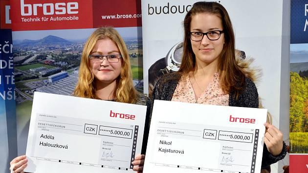 Adéla Halouzková a Nikol Kajsturová.
