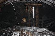 Práce v podzemí černouhelné šachty ČSM ve Stonavě. Archivní snímek.