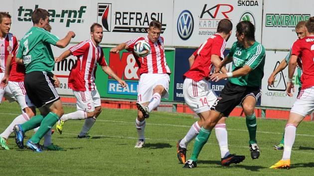 Fotbalisty Karviné a Třince čeká další vzájemný zápas ve druhé lize. Kdo uspěje?