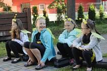 Na ZŠ Dělnická v Karviné ve čtvrtek zahájili první školní den slavnostním přivítáním žáků prvních tříd na školní zahradě. Přítomen byl i primátor města Tomáš Hanzel.